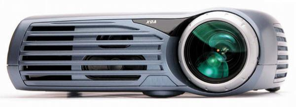 projectiondesign evo+ Projector