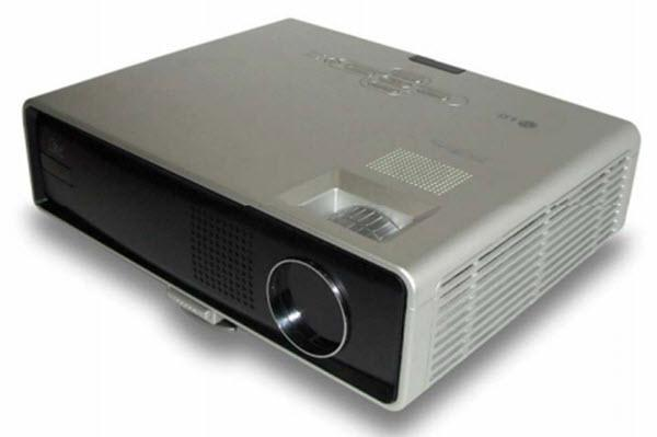 LG DX125 Projector