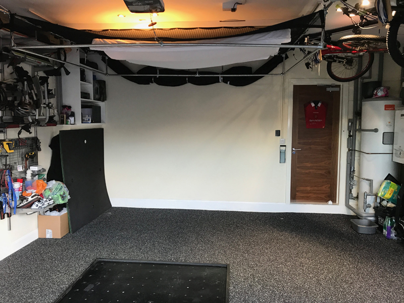 DIY garage sim golfsimforum projector 800