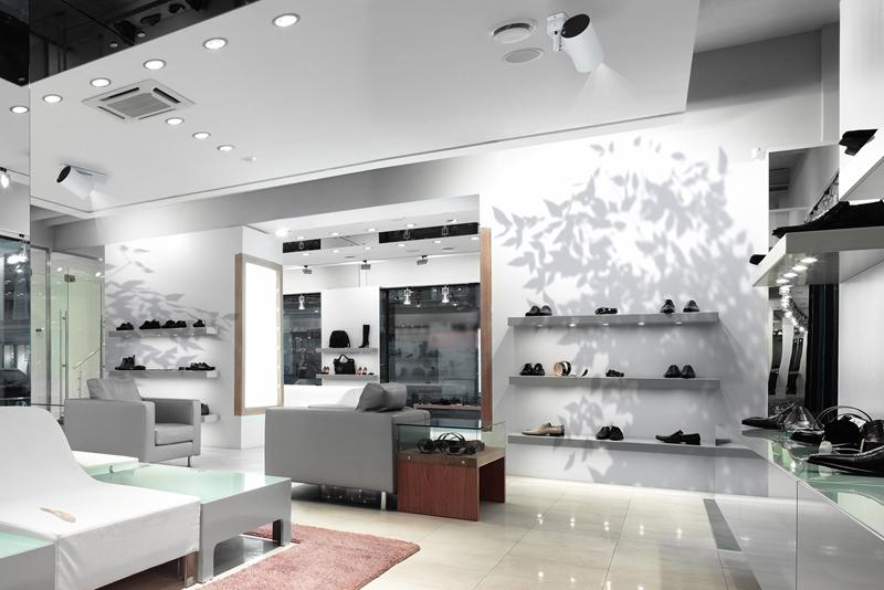 Epson-LightScene-ShoeStore-800