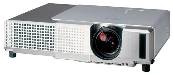 Hitachi CP-X340 Projector