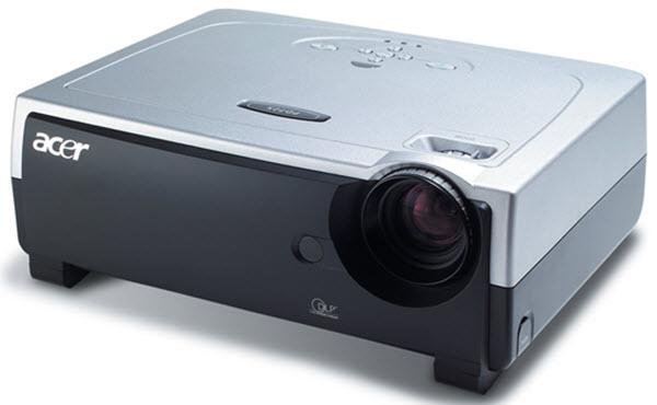 Acer PD725 Projector
