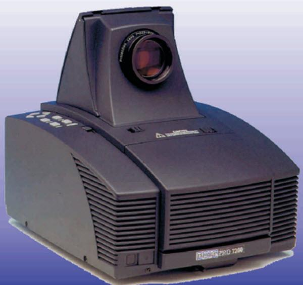 Dukane ImagePro 7200 Projector